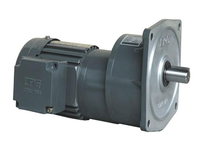 CV 立式雙極齒輪減速電機